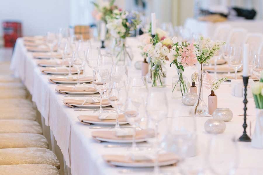Use your choice of caterers at this wedding venue.